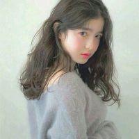 舒嫣娘:爱秀手部的女孩儿.